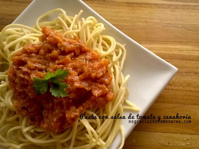 Pasta con salsa de tomate y zanahoria   Receta vegana