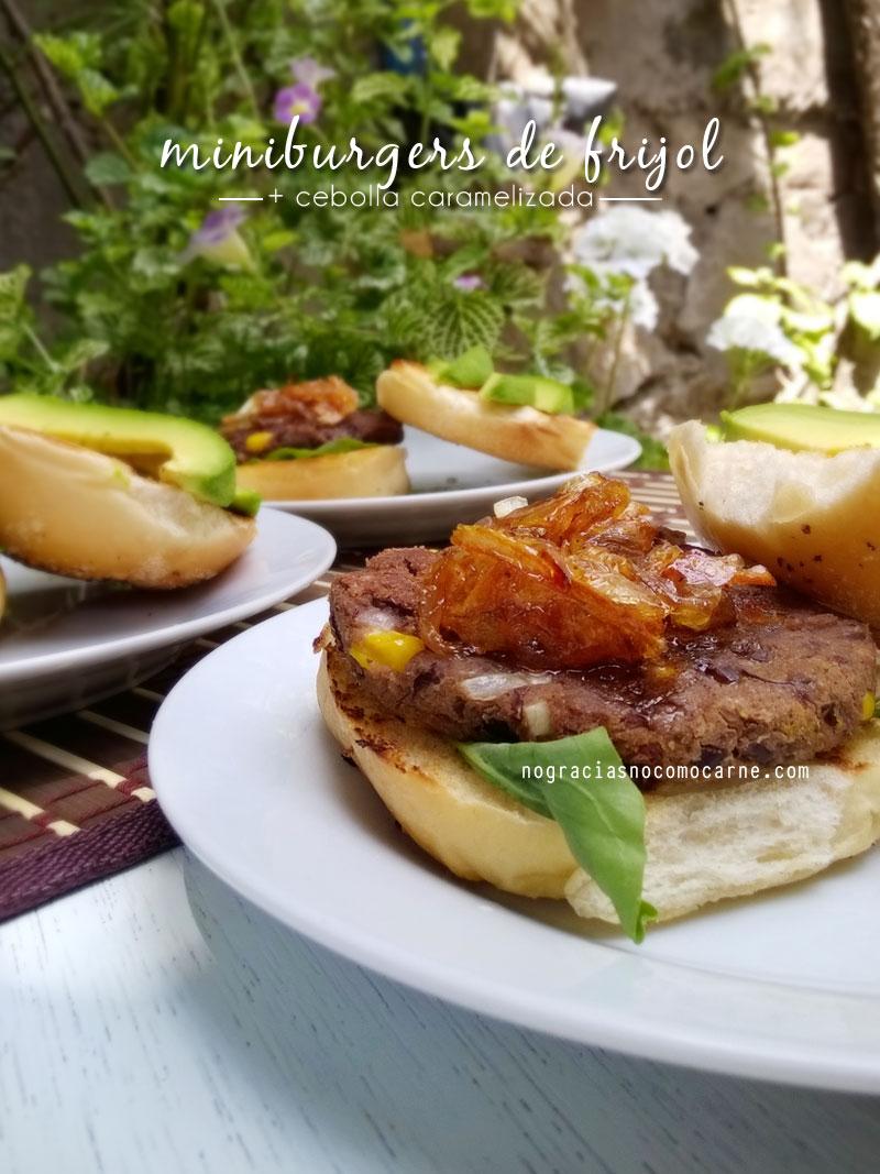 Miniburgers de frijol negro + cebolla caramelizada | No gracias, no como carne