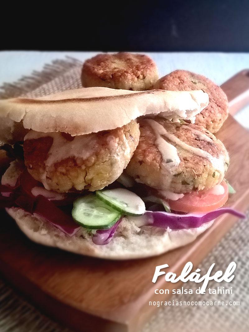 Falafel con salsa de tahini. {Receta vegana} | No gracias, no como carne