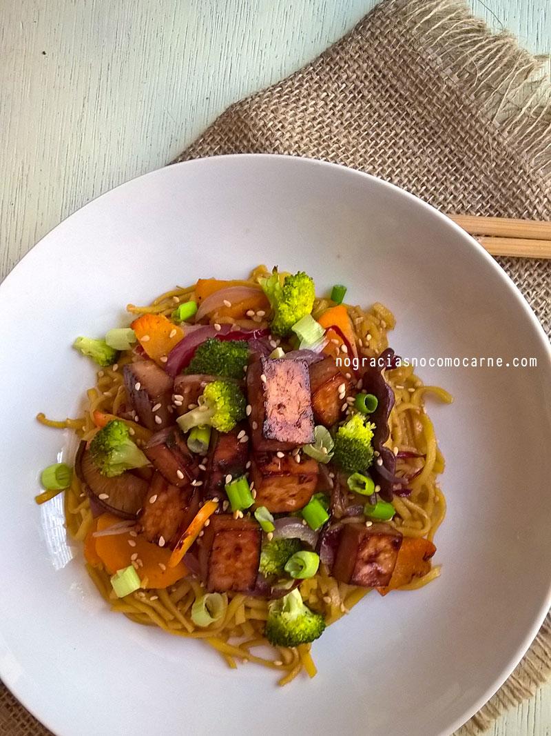 Fideos chinos con vegetales y tofu al horno - Salsa para verduras al horno ...